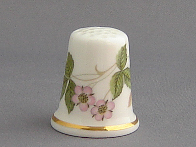 Wedgwood Thimble - Wild Strawberry